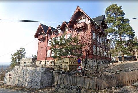 UTBRUDD: Steinerskolen Nordstrand holder til i disse lokalene på hjørnet av Nordstrandveien og Solveien. Skolen stenges ned etter koronautbrudd.
