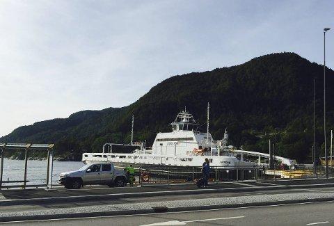 Første i sitt slag: Elferja Ampere var den første i sitt slag då den vart sat i drift på Lavik-Oppedal i januar i år. Dei neste åra kjem det truleg fleire elferjer her til lands.FOTO: TROND ROGER NYDAL