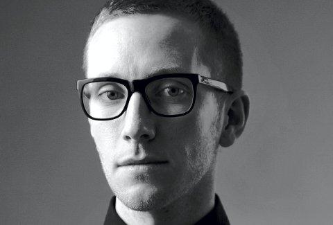 MINNEPRIS: Forfattar Lars Petter Sveen er den første forfattaren som mottar Jan Roar Leikvolls minnepris.FOTO: Det Norske Samlaget