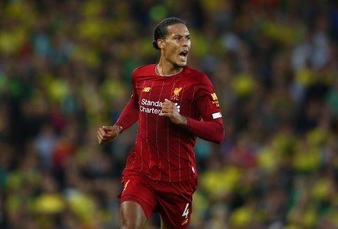 Virgil van Dijk hadde en fantastisk debutsesong for Liverpool, og innledet denne sesongen med å score ett av målene for Liverpool i seriepremieren hjemme mot Norwich fredag. En kamp Liverpool vant 4-1. Foto: Dave Thompson (AP)