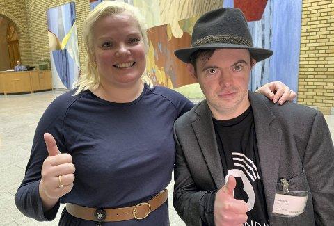 ORDNER SEG: Silje Hjemdal i Frp vil gi to og en halv million til TV Bra over statsbudsjettet. Det er politisk reporter Svein Andre Hofsø glad for. FOTO: TV BRA