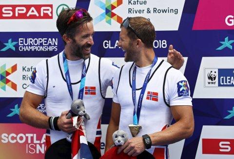 Are Strandli (venstre) fortsetter idrettskarrieren. Det er godt nytt for bergenser Kristoffer Brun (høyre).