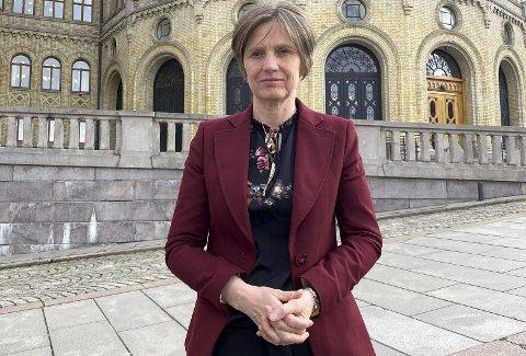 – Fagmiljøene advarte allerede for et år siden om at beredskapen innen barne- og ungdomspsykiatri var veldig dårlig, uten at det ble gjort nok, sier stortingsrepresentant Kjersti Toppe (Sp). Nå tar hun opp saken i Stortinget.