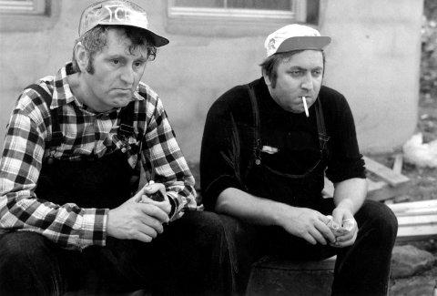 """ORIGINALEN: Gunnar Haugan, til venstre, og Rolv Wesenlund. Fra filmen """"Norske byggeklosser"""" i 1972."""