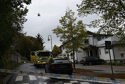DRAP: Da politiet fredag rykket ut til Åros sentrum, fant de en person livstruende skadet utenfor Milano restaurant og pizzeria.