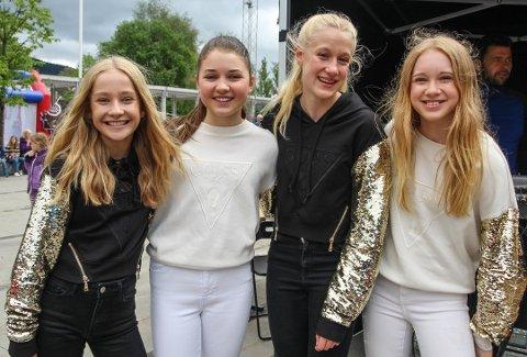 GIRL-GROUP: 4everU består av Eline Roa Gran fra Krokstadelva, Maria Elisabeth Heitmann fra Nærsnes, Bettina Ranvik fra Bærums Verk og Savannah Løver fra Mjøndalen.
