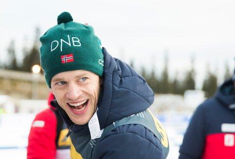 PALLTOPP: Tarjei Bø er i EM i Kviterussland for å prikke inn formen til VM. han har så langt innkassert eit sølv og eit gull. Bildet er frå fellesstarten på Sjusjøen tidlegare i vinter.