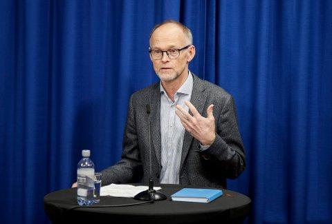 MASSETESTING: Fagdirektør Frode Forland i Folkehelseinstituttet vil teste friske for å få betre oversikt.