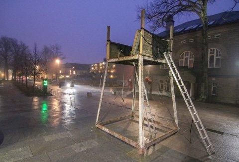 """Demonteres: Vakttårnet fra filmen """"Den 12. mann"""" skal demonteres etter  bruken mandag kveld."""