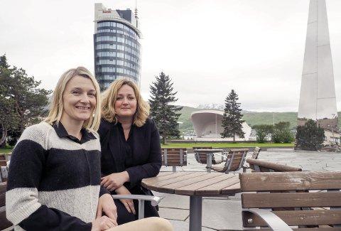 Satser: Reiselivsbedriftene i de åtte kommunene som utgjør Narvikregionen starter nå arbeidet med å kunne sertifisere seg som bærekraftig reisemål. – I tillegg til at det er viktig for bedriftene og regionen selv, er dette noe som får stadig større fokus også hos de tilreisende turistene, sier June Berg-Sollund og Ann-Hege Lund.  Foto: Terje Næsje