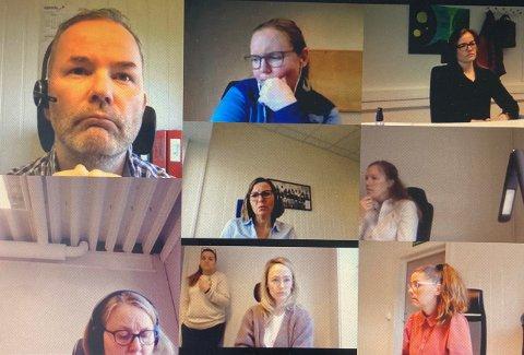 MORRAMØTE: Skjerdump av hvordan det ser ut når de har digitale morramøter.