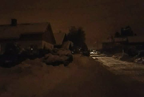 MØRKT: Nok en gang opplevde beboere i Holtandalen at strømmen forsvant. (Bildet er tatt i forbindelse med strømstans i 2018.)