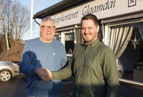 GÅR SAMMEN: ResultatRegnskap Kongsvinger kjøper Regnskapskontoret Glaamdal DA og Økonomikontoret Eidskog for å bli en større og mer slagkraftig enhet. Mats Stenseng (til høyre) er daglig leder i det nye selskapet, og Svein Nymoen ser fram til den nye hverdagen.
