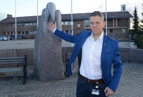 VIL TIL ÅMOT: Kommunedirektør Stein Halvorsen i Åsnes er en av søkerne til tilsvarende stilling i Åmot. - Sjansen min til å komme hjem er nå. sier Halvorsen som bor på Rena og dagpendler til Flisa.