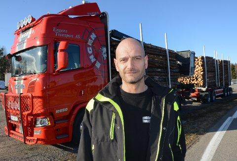 LITT SKEPTISK: Morten Engen i Engen Transport i Elverum er litt skeptisk til prosjektet. Mest på grunn av at store og dyre investeringer må gjøres.