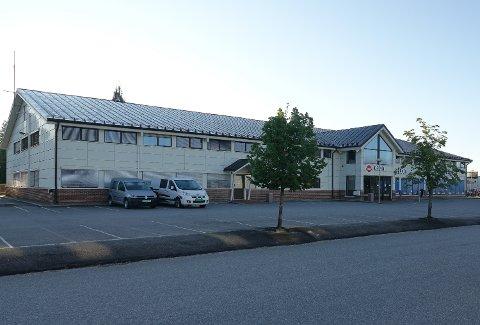 FAMILIENS HUS: Dette er bygget som Åsnes kommune skal leie plass i eller kjøpe og etablere Familiens hus i.