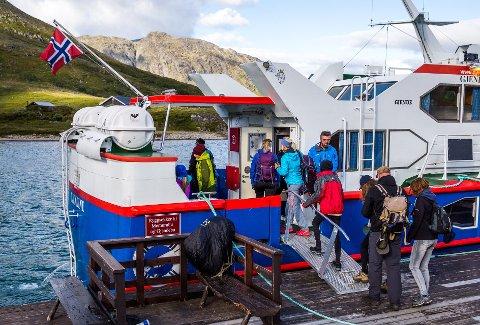 Årsregnskapet for 2018 viser at selskapet Gjendebåten AS, som blant annet står for båttransporten mellom Gjendesheim, Memurubu og Gjendebu, hadde driftsinntekter på 10,9 millioner kroner i fjor. Aldri før har virksomheten brakt inn like mye penger.