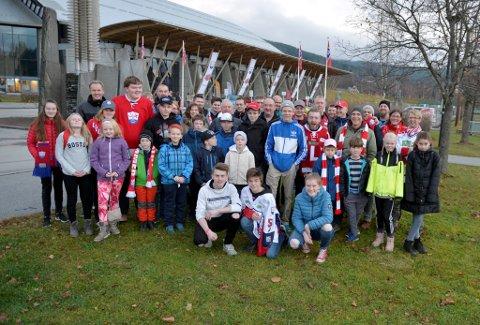 HOCEKYFEST: 45 døler kom med buss til Lillehammer for å oppleve den andre utgaven av Hockey Classic.