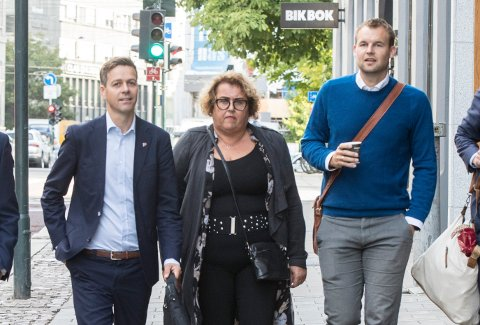 KrF-leder Knut Arild Hareide, Olaug Bollestad og Kjell Ingolf Ropstad fotografert på vei inn til KrFs sentralstyremøte torsdag.