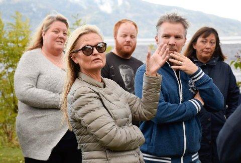 SKUFFEDE NABOER: Anne-Gry Ruud og de andre naboene som gikk til sak mot staten og AUF er skuffet over at ikke retten har lagt mer vekt på den helseskaden de kan oppleve ved det framtidige minnesmerket på Utøya.