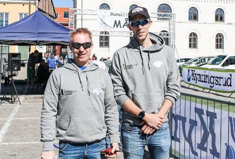 Arrangør Benny Strøm (t.v.) og Peter Forsth-Svensson fra Idd Sportsklubb.