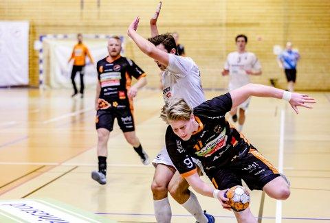 FØRSTE: Her scorer 18 år gamle August Olsen Storbugt sitt aller første mål i eliteserien.