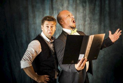 Ulik artistisk bakgrunn: Stand up-komiker Roar Brekke (t.v.) og musikalstjerne André Søfteland er premiereaktuelle med showet «Odd(a) Couple».foto: Magnus Skrede