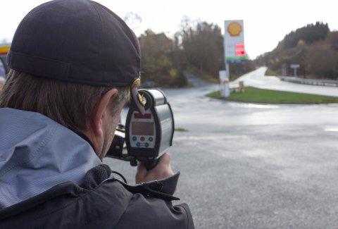 KONTROLL: Haukås er et vanlig sted som Utrykningspolitiet kontrollerer. Dette bildet er tatt for noen år siden ved en tilsvarende kontroll.