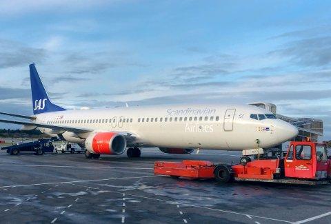 KRAV: Innfører påbud om bruk av ansiktsmasker. På Haugesund lufthavn gjelder det alle flygninger.