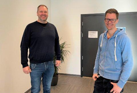 UTVIDAR: Kristne vidaregåande skule Haugalandet utvidar tilbodet frå hausten av. – Vi er i ei spanande fase, seier rektor Geirmund Monsen (t.v.) - her saman med  Johannes Leiknes Nag, undervisningsleiar.