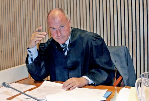 OMFATTENDE MATERIALE: Forsvarer, advokat Oscar Ihlebæk, beskriver det rettsmedisinske materiale i saken som svært omfattende. Foto: Pål Leknes Hanssen