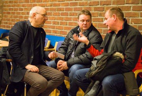 LEGGER PLANER: Ordfører Rune Rafaelsen, Fylkesordfører Runar Sjåstad og LO-sekretær Bjørn Johansen tror alle Sør-Varanger skal komme seg over knekken - med hjelp utenfra.