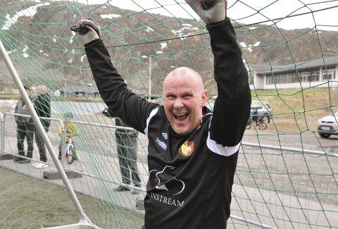 COMEBACK: Rune Mathisen (52) er en solid sisteskanse for HIF/Stein 3. i 5. divisjon. Begge foto: Trond Ivar Lunga