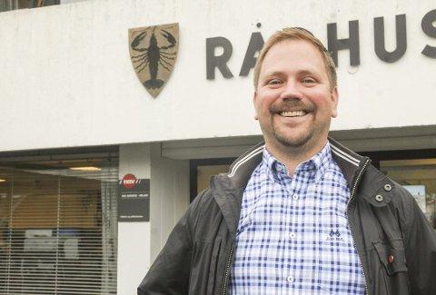 Ordfører Roger Evjen regner med den nye rådmannen er på plass i kommunen ved nyttårstider. Foto: Bjørn Ivar Bergerud