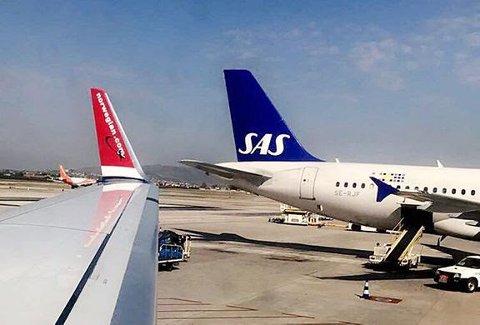 Flyplassene på Kanariøyene er begynt å åpne igjen, men det kan ta tid før flyene er i luften. Flere sliter med å komme seg på ferie og andre med å komme seg hjem.