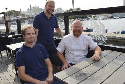 Fornøyde: Fra venstre – Lars Braathen, Rune Lauring og Kenneth Lauring. Foto: Jon Fivelstad