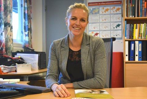 I januar får unge kvinner gratis vaksine mot livmorhalskreft. Helsesøster Line S. Holmedal håpar mange vil nytta tilbodet.