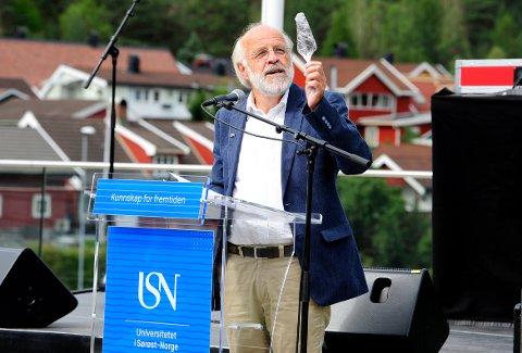 FORTSETTER. Rektor Petter Aasen ved Universitetet i Sørøst-Norge fortsetter i sin nåværende stilling. Bildet er fra  åpningen av skoleåret 2018/19 Campus Kongsberg.