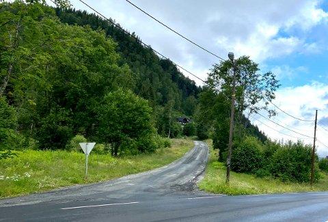 Fortsetter videre oppover: I fjor fikk Modumveien ny asfalt. I år skal strekningen fra Granum og opp Røineveien fornyes.