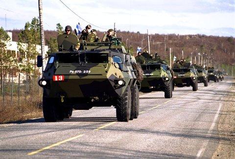 Statens vegvesen ber folk beregne god tid. Feltøvelsen er over, og det blir mange militærkolonner på veiene lørdag.