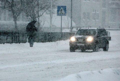 Dersom du ikke har byttet til vinterdekk på bilen, bør du kjappe deg. Denne uka er det ventet snøvær i Moss.