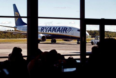 STORE TAP: Korona-krisen påfører Ryanair milliardtap. Samtidig gis konkurrentene statlig drahjelp som Ryanair frykter vil legge et press på billettprisene.