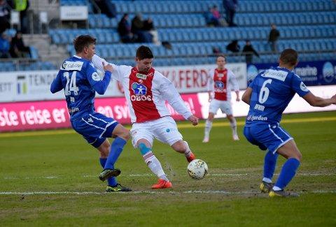 SKUFFET: Daniel Fredheim Holm og KFUM/Oslo gjorde seg ikke bort mot Sandefjord, men dro skuffet hjem.