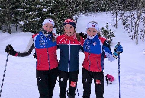 SKISØSTRENE: Vilje Marie (18), Ingrid Andrea (20) og Tuva Mathea Gulbrandsen (14, til høyre) fra Sørreisa er alle tre aktive skiløpere på nasjonalt nivå i Bardufoss OIF. I dag klinket yngstesøster i flokken til med et kjemperesultat på hovedlandsrennet.