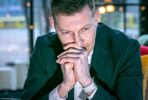 TANKEFULL: Øyvind Alapnes husker selv lite av den dramatiske hendelsen for drøyt 23 år siden, men har blitt fortalt hvor kritisk det var da han svelget tungen med låste kjever.