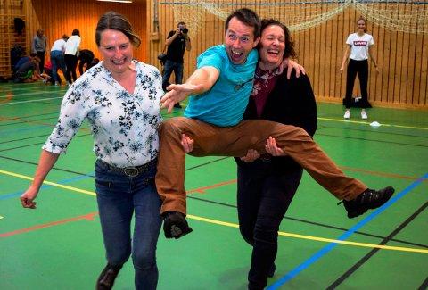 Her er tre av konferansedeltakerne som kastet seg ut i fysisk aktivtet i Søndre land i går. F.v. Marthe Hasle, helserådgiver ved Dokka videregående skole, Ole Sigleif Johansen, lærer fra Nore og Uvdal ungdomsskole, og Elin Raaum, avdelingsleder ved Dokka videregående skole.