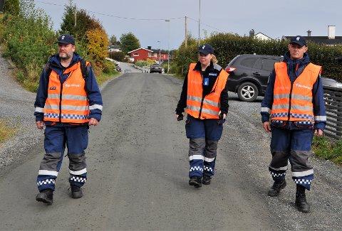 I AKSJON: Tor Heine Bossum (f.v.), Åse Marit Nordengen og Arne Martin Hatterud fra Sivilforsvaret Gjøvik startet å lete i Nordbyen klokka 6.30 søndag morgen.