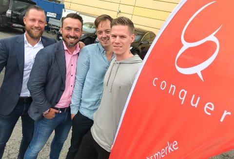 EGETDESIGNET SPORTSMERKE: Oppegårdgjengen i Treningsgruppen AS står bak varemerket Conquer, og selger egetdesignet treningstøy. Fra venstre: Andreas Halvorsen, Morten Stensrud, Lars Johnsen og Markus Matre.
