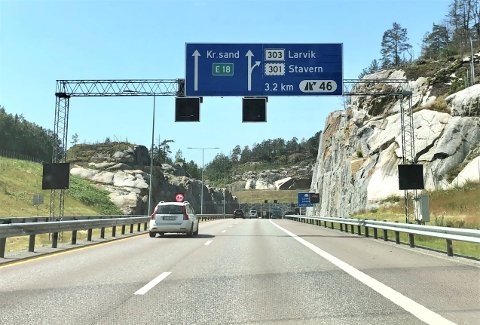 SNUDDE i TUNELLEN: Den avdøde Vestfold-mannen kjørte på E18 sørover og satte kursen denne veien mot Larvikstunnelen og Farriseidet, men inne i tunellen stoppet han og snudde.