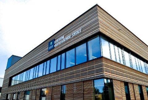 LUKT: Skoledagen på Elverum videregående skole ble avsluttet litt tidligere tirsdag.